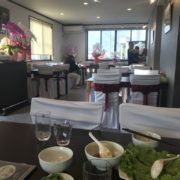 ベトナム料理HIMAWARIの店内